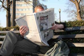 02.Newspaper.DupontCircle.WDC.30mar06 by Elvert Barnes