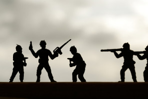Toy soldiers by Kyle May via Flickr